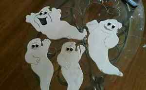 FAMILY OF 4 GHOSTS