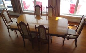 Dining Room Table and Chairs (Solid Oakwood)
