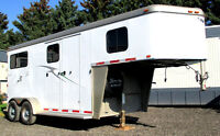 Hawk Warmblood Classic 2hr GN With 4' Tack Room