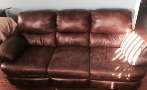 Reclining leather couch London Ontario image 2