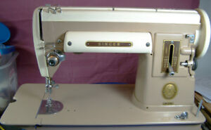 SINGER 301A SEWING MACHINE WITH MANY ATTACHMENTS AND MANUAL