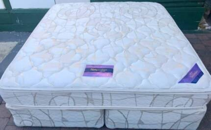 Excellent Sleep Maker King size bed for sale. Delivery option ava