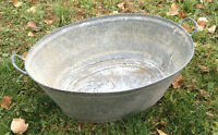 LARGE OVAL DEEP GALVANIZED WASH TUB