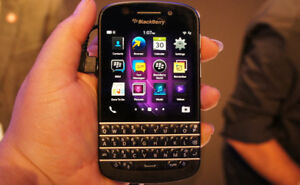 Great condition blackberry q10 unlocked!!