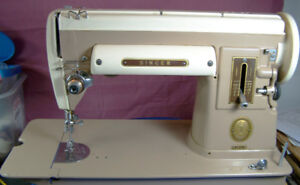 SINGER 301A  SEWING MACHINE WITH ATTACHMENTS MANUAL  SERVICED