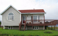 2 BDRM APT ON WATERFRONT PROPERTY AVAILABLE SEPTEMBER 1