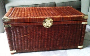 Wicker chest trunk as storage and coffee table