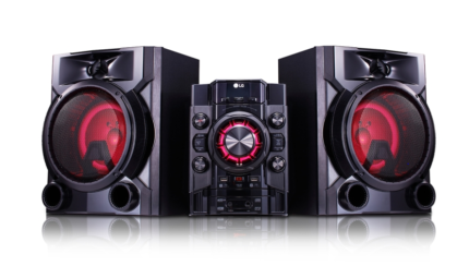 700W LG Mini HiFi System with Bluetooth® Multipoint