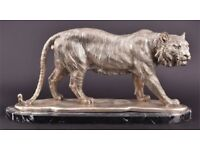 STUNNING LARGE VINTAGE 1950,S SILVER PLATED SOLID BRONZE SCULPTURE OF A LION ON MARBLE 50 X 26 CMS