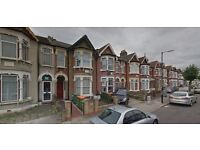 Very Nice Two Bed G/F Flat In Manor Park E12, CouncilTax, Water, Electricity Included