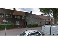 LOW RENT AND GREAT LOCATION IN DAGENHAM RM9 3 BED HOUSE..MUST SEE!!!""