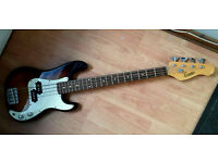 Encore Short Scale Bass Guitar Sunburst , in excellent condition,Ideal for young or Small Person