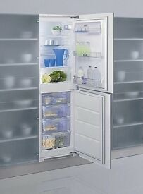 Whirlpool ART476A Integrated Fridge Freezer in White