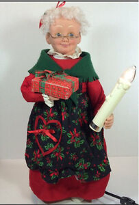 Mrs Claus Christmas Holiday Creations Motionette Candle 1995