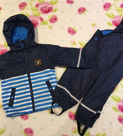 Boys rain coat & trousers