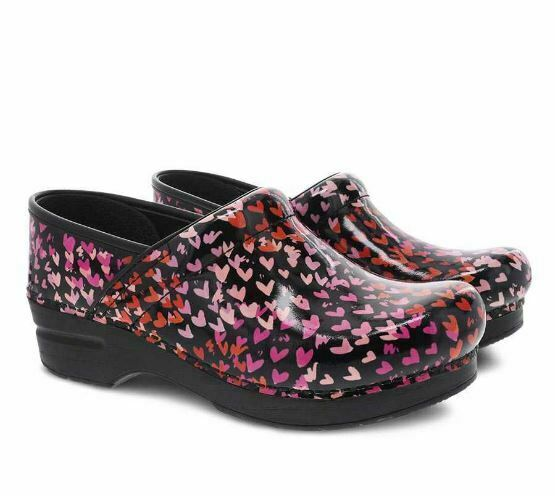 New DANSKO Womens Professional Tiny Hearts Patent Leather Closed Clogs 806580202
