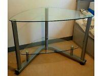 Glass desk/computer table