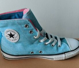 Childrens Converse size 3
