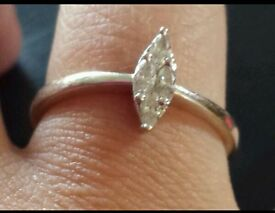 Stunning marquise diamond ring