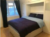 Large double room in Modern Spacious Flat,All included+Unlimited WiFi,Parking&All Transport For £150