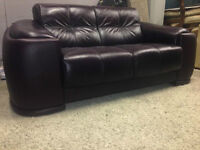 Lay-z-Boy   Couch   --- Delivery available