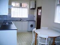 Double rooms available for up to 8 weeks in shared house in Fallowfield - from £105 pw