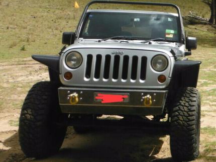 Jeep wrangler jk stubby bumper bull bar