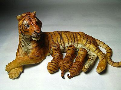 2013 NEW Papo  Animal Toy / Figure Nursing female tiger
