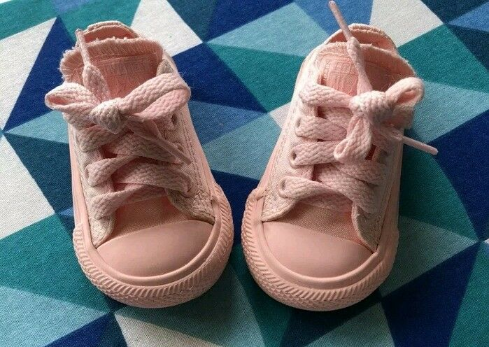 897cced2286d41 Baby converse size 2 (2 pairs)