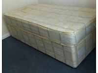Single bed with clean mattress. In very good condition
