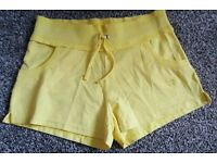 Girls shorts 8 -9