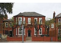 2 Bed flat -Newly refurbished converted victoria house, driveway, easy access to london