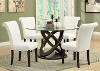 DINING CHAIR IN WHITE BONDED LEATHER