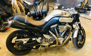 Moto Yamaha MT-01 en excellente condition