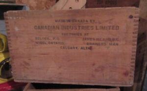 Caisse boîte de bois Dynamite Antiquités Brocante