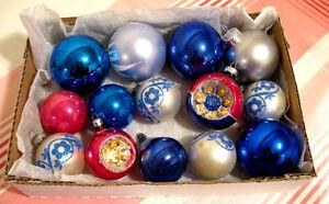 Ensemble de 14 boules de Noël en verre # N572