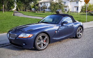 2004 BMW Z4 3.0i  Roadster Convertible