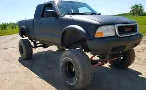Lifted 2003 sonoma with straight axel conversion
