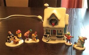 Dept 56 - Simple Traditions - Holiday Charms House & Accessories
