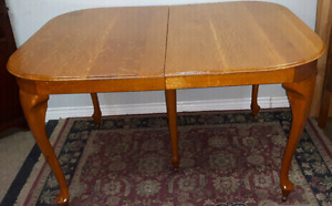 Antique Dining Room Table *Delivery Available *