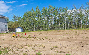 40' Pocket Lot in Ardrossan heights backing onto Green Belt!!