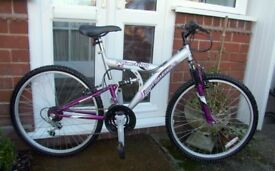 *LADIES BRITISH EAGLE 18 SPEED FULL SUSPENSION BIKE - LITTLE USED MINT CONDITION - SERVICED!!*