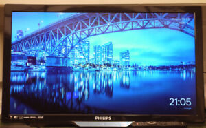 """29"""" Philips LED TV with Simply Straight wall mount"""