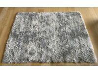 Fluffy Anti-slip Light Grey Rug 120cm * 160cm