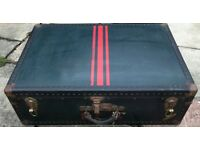 Vintage metal ended trunk, 74 x 51 x 24 cm, viewing welcome