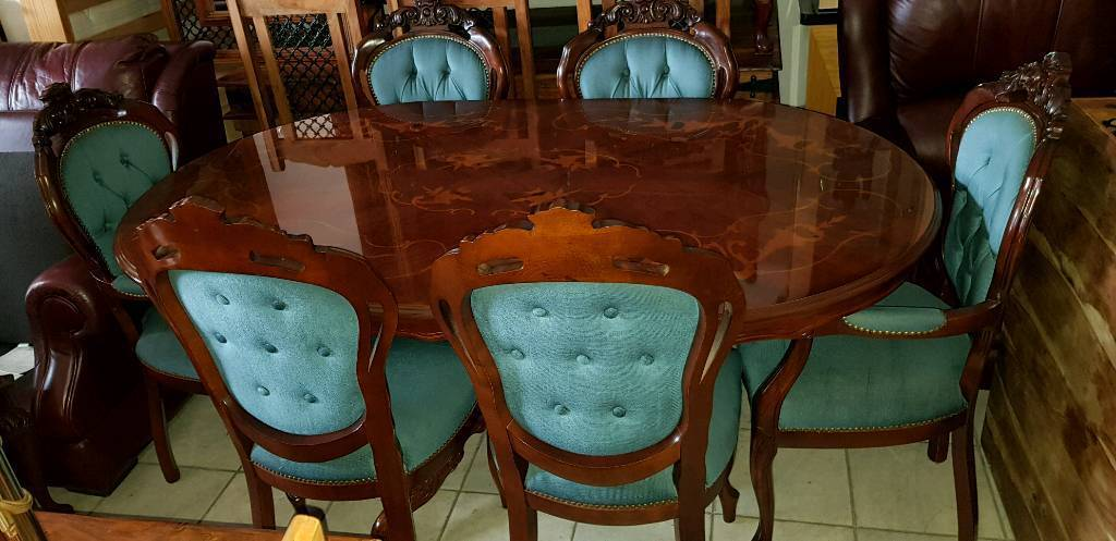 Beautiful antique, Italian dining table and 6 chairs, Excellent condition - Beautiful Antique, Italian Dining Table And 6 Chairs, Excellent