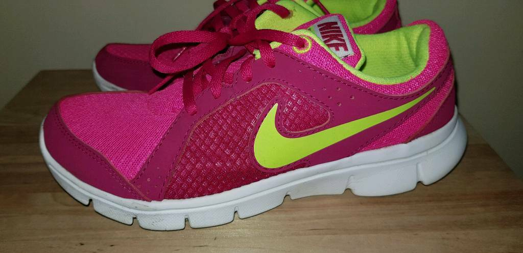 official photos 4d754 2a236 Nike Flex Experience RN 2 Ladies Trainers running UK Size 3