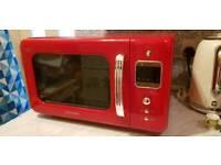 Red Daewoo microwave 800W E