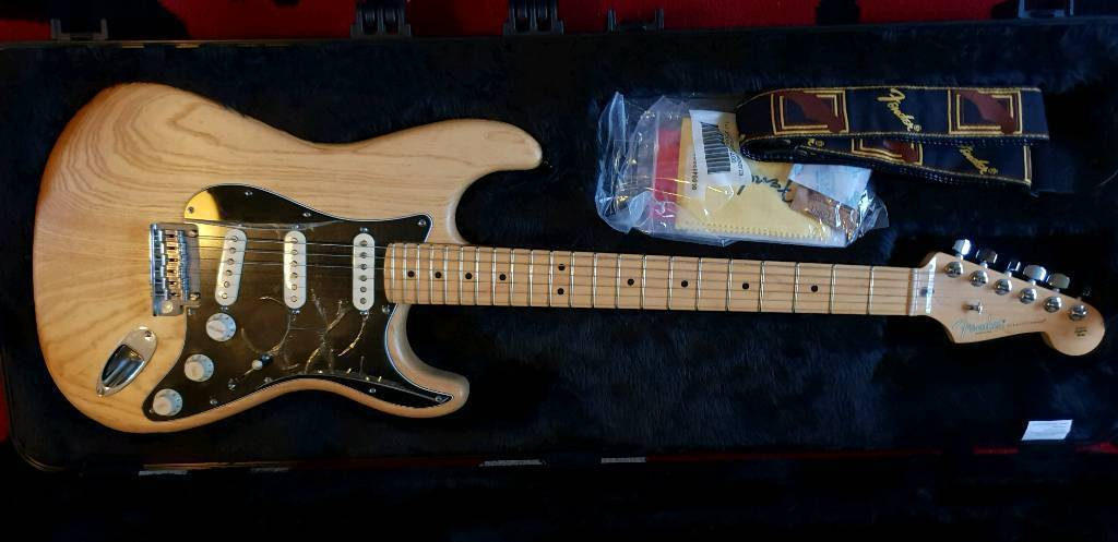 fender stratocaster limited edition 2015