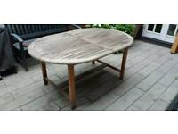 Outdoor table (expandable) and 4 chairs - canterbury collection